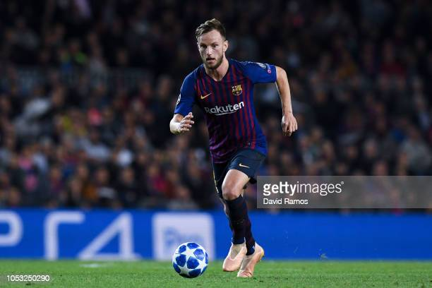 Ivan Rakitic of FC Barcelona runs with the ball during the Group B match of the UEFA Champions League between FC Barcelona and FC Internazionale at...