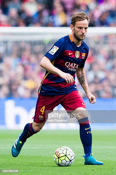 Ivan Rakitic of FC Barcelona runs with the ball during the La Liga match between FC Barcelona and RCD Espanyol at Camp Nou on May 8 2016 in Barcelona...