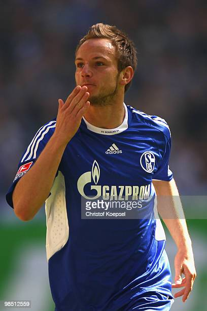 Ivan Rakitic of Schalke celebrates the first goal during the Bundesliga match between FC Schalke 04 and Borussia Moenchengladbach at the Veltins...