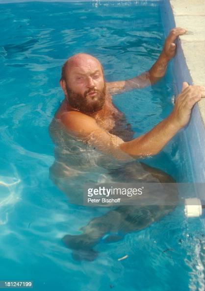 Swimming Pool Identification : Ivan rebroff insel skopelos griechenland
