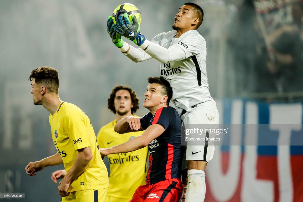 Ivan Santini of Caen, Alphonse Areola of Paris Saint Germain during the French League 1 match between Caen v Paris Saint Germain at the Stade Michel d Ornano on May 19, 2018 in Caen France