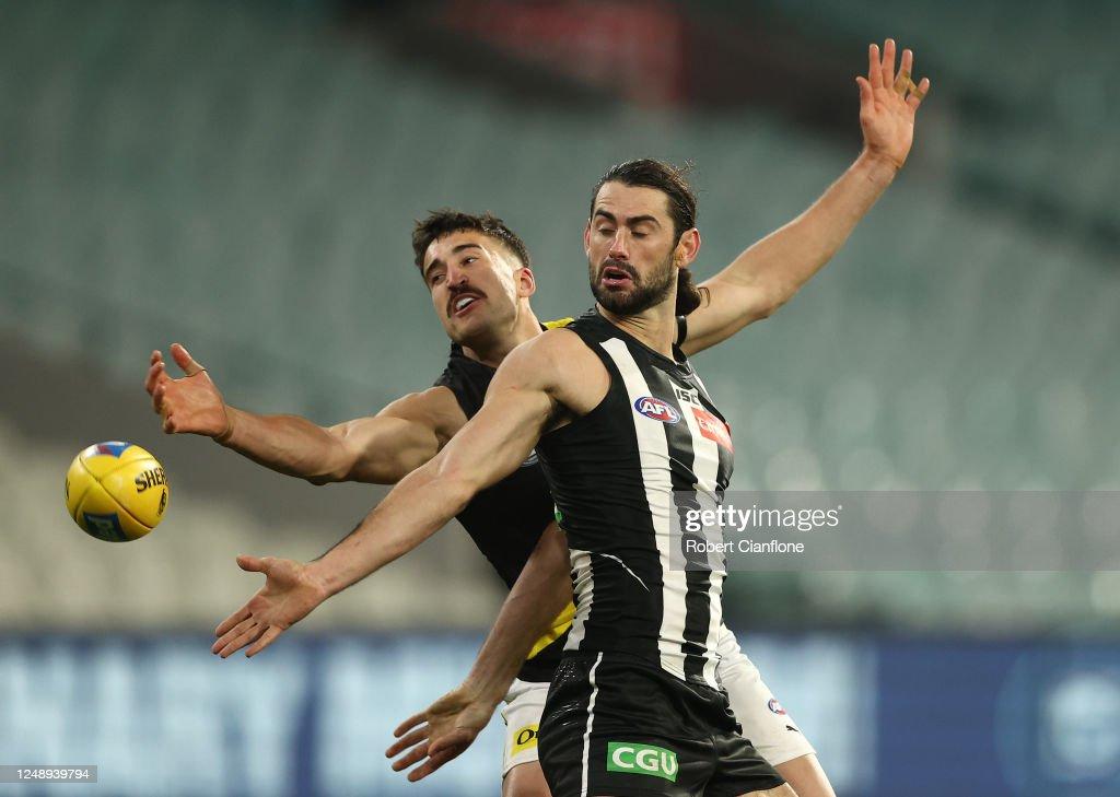 AFL Rd 2 - Collingwood v Richmond : News Photo