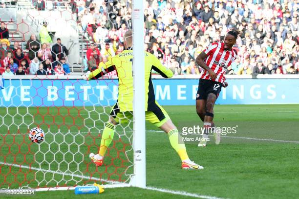 Ivan Toney of Brentford scores a goal ruled offside during the Premier League match between Brentford and Leicester City at Brentford Community...