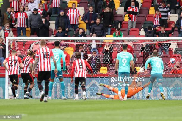 Ivan Toney of Brentford scores their sides first goal from the penalty spot past Asmir Begovic of AFC Bournemouth during the Sky Bet Championship...