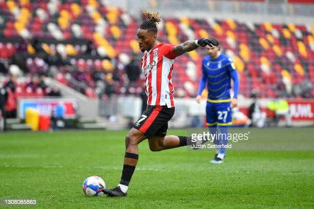 Ivan Toney of Brentford scores their team's first goal from the penalty spot during the Sky Bet Championship match between Brentford and Nottingham...