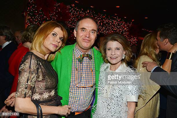Ivana Lowell Christopher Mason and Kathy Rayner attend George Farias Anne and Jay McInerney Host A Christmas Cheer Holiday Party 2016 at The Doubles...