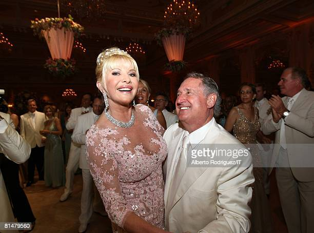 Ivana Trump and musician Neil Sedaka at the wedding reception of Ivana Trump and Rossano Rubicondi at the MaraLago Club on April 12 2008 in Palm...