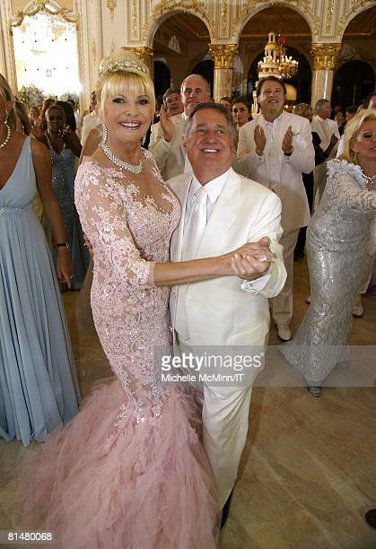 RATES Ivana Trump and Neil Sedaka during the wedding reception of Ivana Trump and Rossano Rubicondi at the MaraLago Club on April 12 2008 in Palm...
