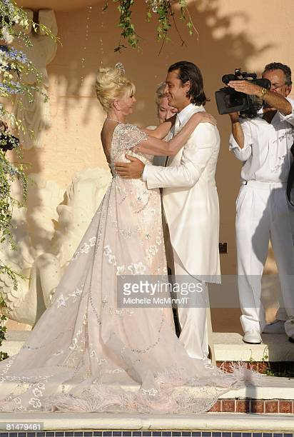 Ivana Trump and Rossano Rubicondi during their wedding at the MaraLago Club on April 12 2008 in Palm Beach Florida Ivana Trump's jewelry is by Leviev...