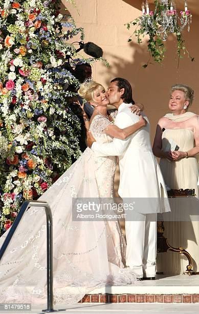 RATES Ivana Trump and Rossano Rubicondi during their wedding at the MaraLago Club on April 12 2008 in Palm Beach Florida Judge Marianne Trump Berry...