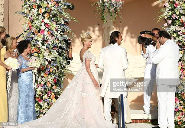 RATES Ivana Trump and Rossano Rubicondi during their wedding at the MaraLago Club on April 12 2008 in Palm Beach Florida Rossano Rubicondi wears...