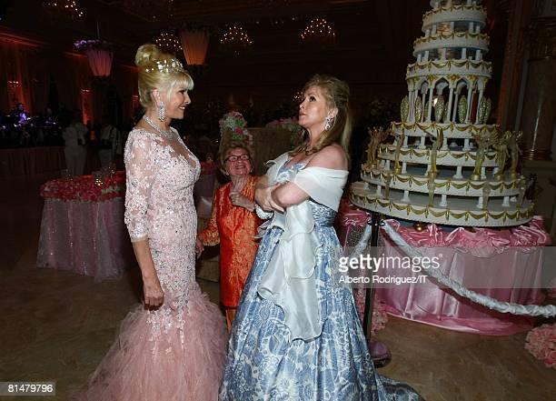 RATES Ivana Trump Dr Ruth Westheimer and Kathy Hilton during the wedding reception of Ivana Trump and Rossano Rubicondi at the MaraLago Club on April...