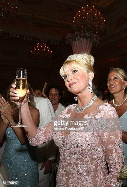 Ivana Trump during her wedding to Rossano Rubicondi at MaraLago on April 12 2008 in Palm Beach Florida Ivana Trump's jewelry is by Leviev a diamond...