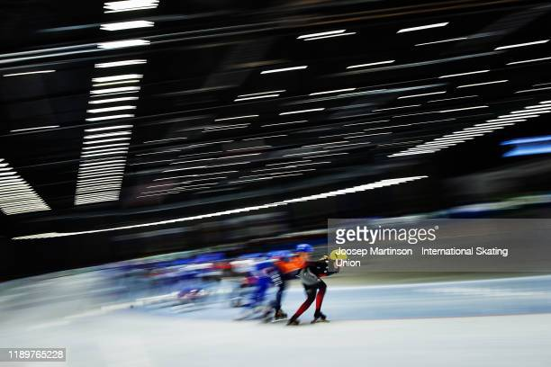 Ivanie Blondin of Canada leads the pack in the Ladies Mass Start during ISU World Cup Speed Skating at Tomaszow Mazoviecki Ice Arena on November 24...