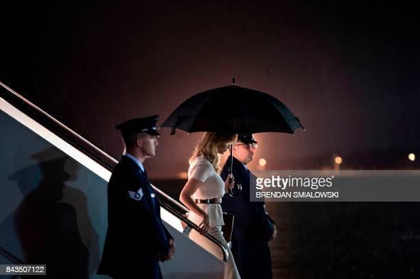 TOPSHOT Ivanka Trump arrives at Andrews Air Force Base September 6 2017 in Maryland / AFP PHOTO / Brendan Smialowski