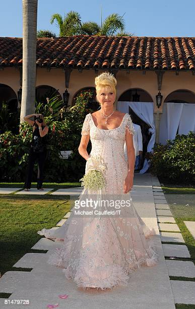 Ivanka Trump Ivana Trump and Rossano Rubicondi with the bridesmaids after the wedding of Ivana Trump and Rossano Rubicondi at the MaraLago Club on...