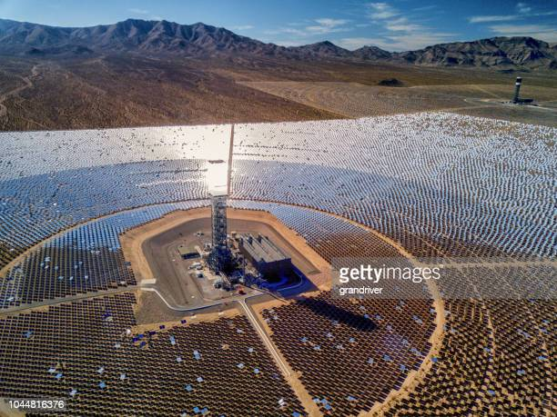 ivanpah solar thermal energy plant in california - solar mirror stock pictures, royalty-free photos & images
