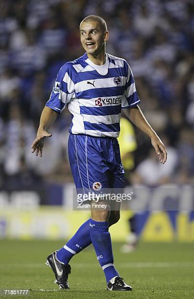 Ivar Ingimarsson of Reading gives instructions during the Barclays Premiership match between Reading and Manchester City at the Madejski Stadium on...