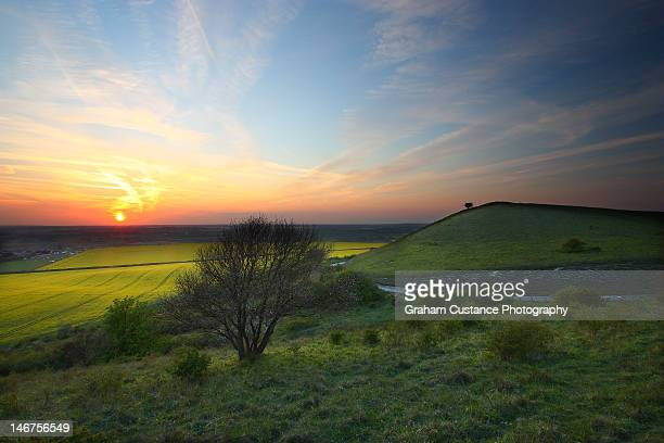 ivinghoe sunset - buckinghamshire stock pictures, royalty-free photos & images