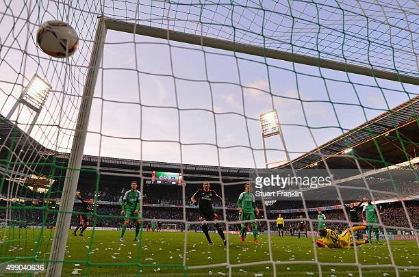 Ivo Ilicevic of Hamburg scores his goal during the Bundesliga match between Werder Bremen and Hamburger SV at Weserstadion on November 28, 2015 in...