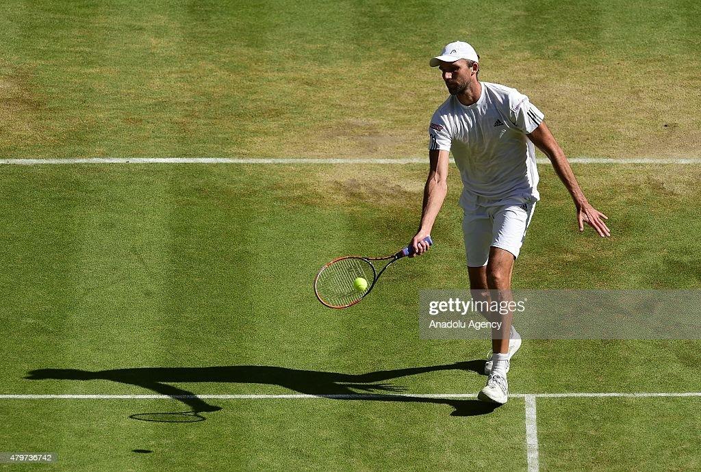 Wimbledon Lawn Tennis Championships - Day Eight : News Photo