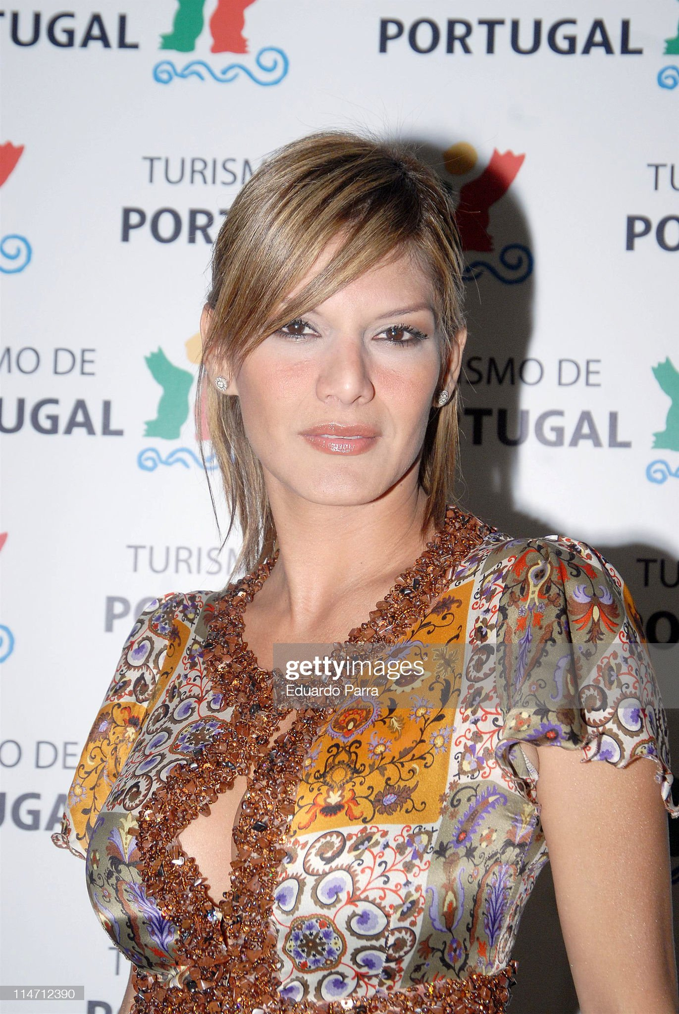 ¿Cuánto mide Ivonne Reyes? - Altura Ivonne-reyes-during-portugal-tourism-party-february-1-2007-at-nueva-picture-id114712390?s=2048x2048