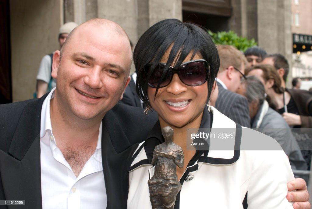 Ivor Novello Awards 2008. Grosveno. : News Photo