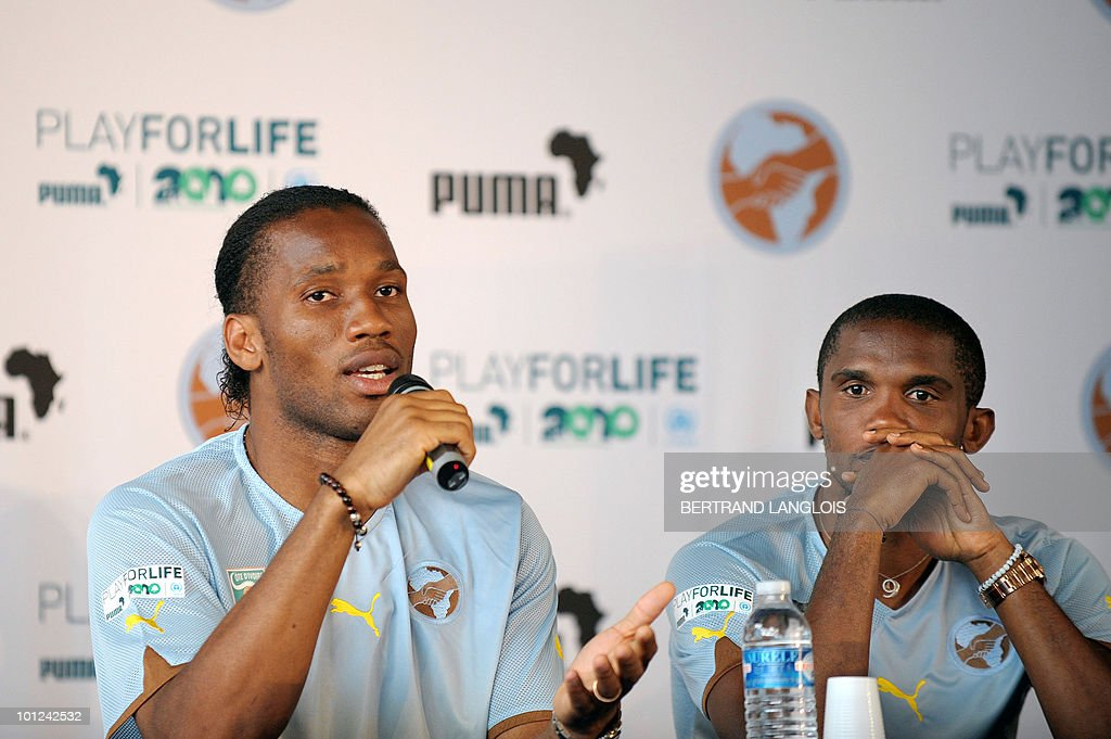 Ivorian football player Didier Drogba (L