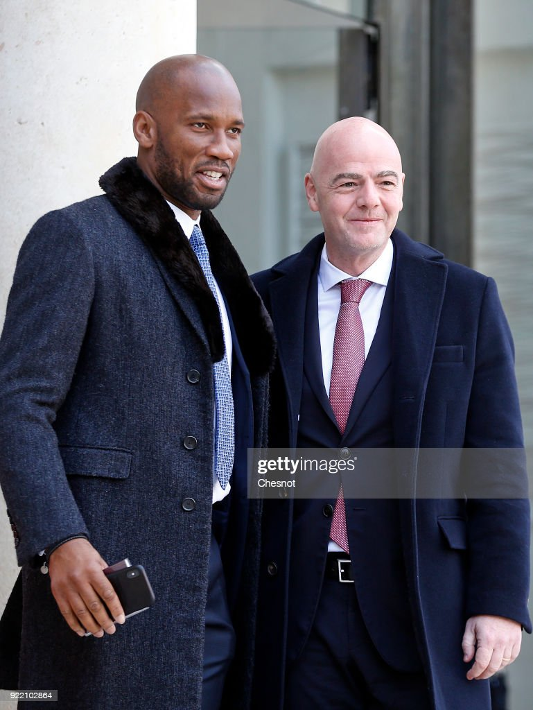 French President Emmanuel Macron Receives George Weah, President Of Liberia At Elysee Palace In Paris : Nachrichtenfoto