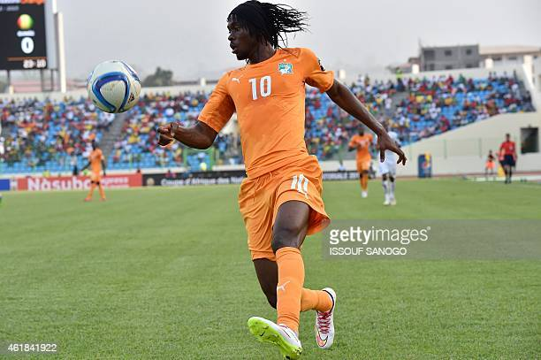 Ivory Coast's forward Gervinho controls the ball during the 2015 African Cup of Nations group D football match between Ivory Coast and Guinea in...
