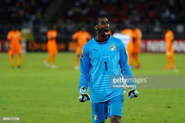 Ivory Coast's goalkeeper Boubacar Barry reacts during the 2015 African Cup of Nations final soccer match between Ivory Coast and Ghana at the Bata...