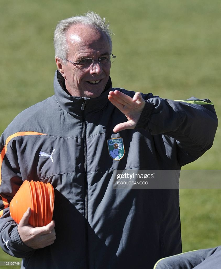 Ivory Coast's national football team coach Sven Goran Eriksson gestures during a training session on June 16, 2010 in Sharpeville, a day after their first 2010 World Cup tournament match against Portugal.