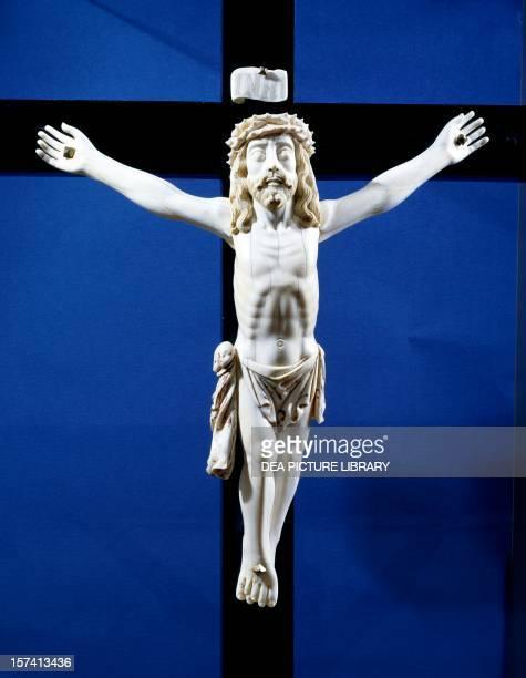 Ivory crucifix found on board the Manila galleon which traded with Acapulco. Mexico, 17th century. Oaxaca, Museo De Las Culturas De Oaxaca .