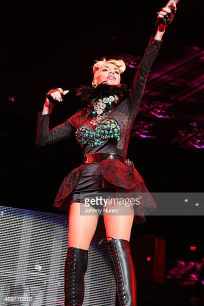 Ivy Queen performs during La Mega Mezcla Live at Madison Square Garden on April 14, 2015 in New York City.