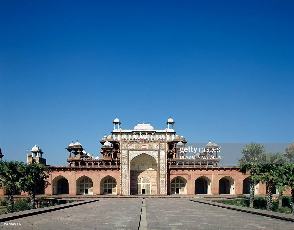 Iwan of the Tomb of Akbar the Great, Sikandra : News Photo