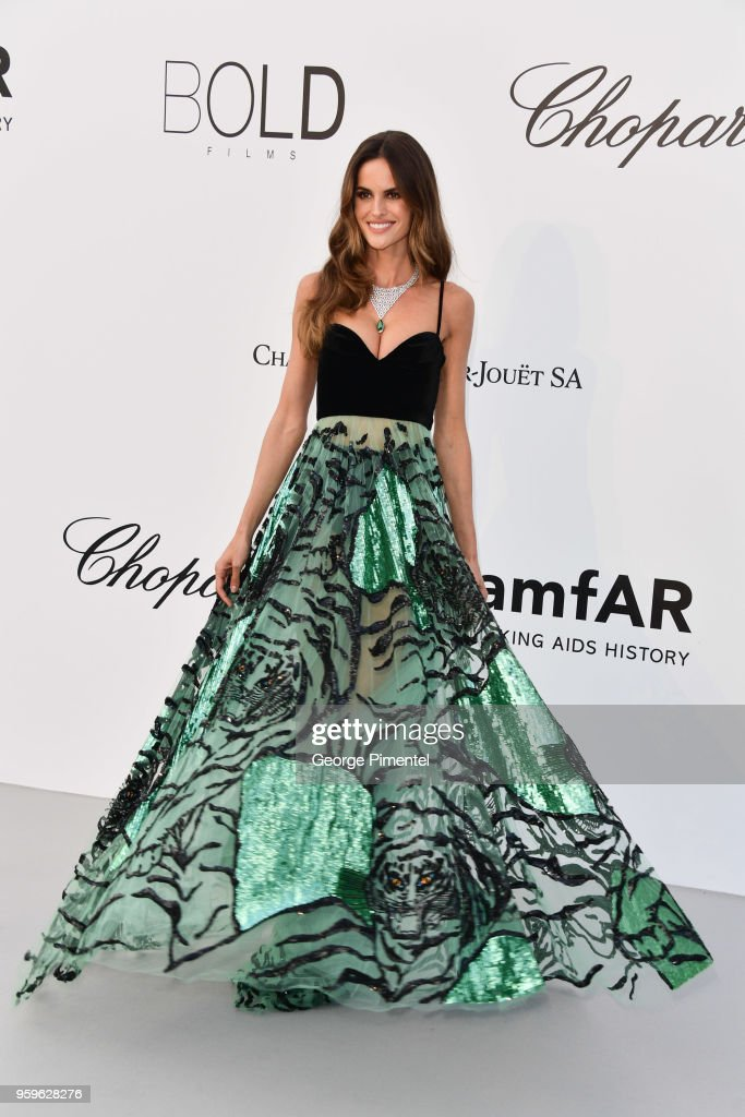 Izabel Goulart arrives at the amfAR Gala Cannes 2018 at Hotel du Cap-Eden-Roc on May 17, 2018 in Cap d'Antibes, France.