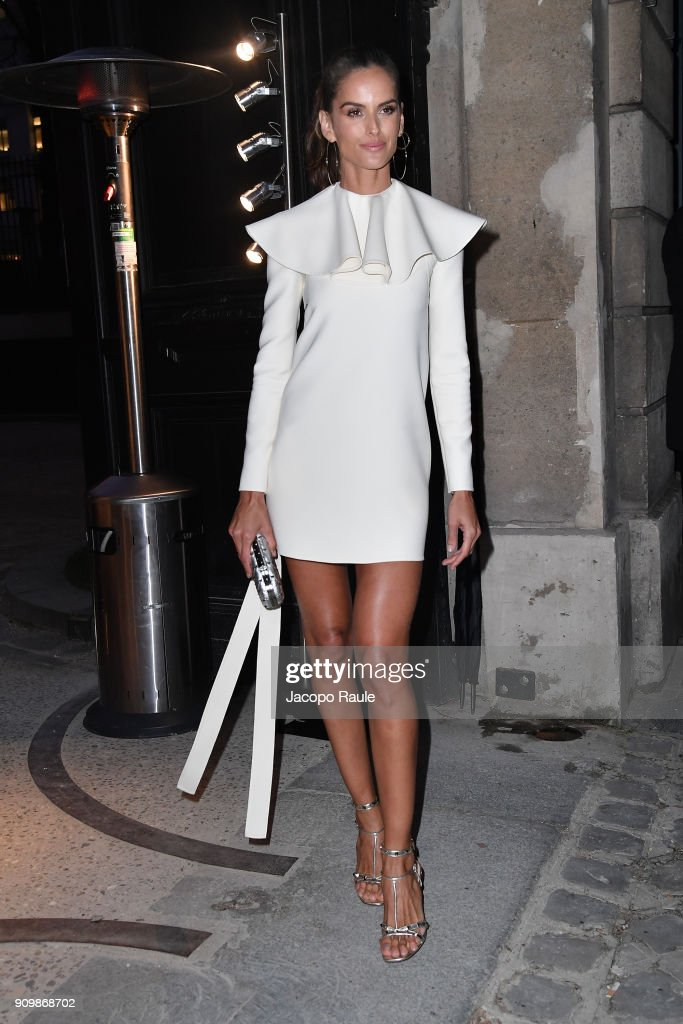 izabel-goulart-is-seen-arriving-at-valentino-haute-couture-spring-picture-id909868702