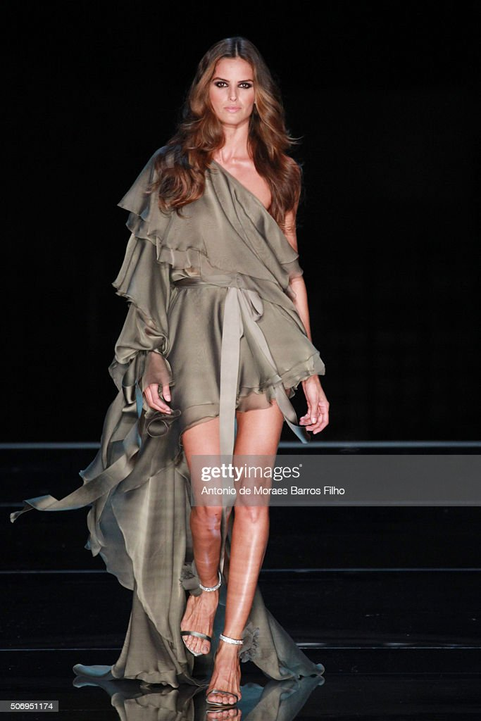 Izabel Goulart walks the runway during the Alexandre Vauthier Haute Couture Spring Summer 2016 show as part of Paris Fashion Week on January 26, 2016 in Paris, France.