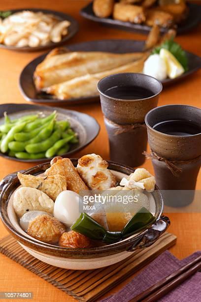 izakaya dishes - oden fotografías e imágenes de stock