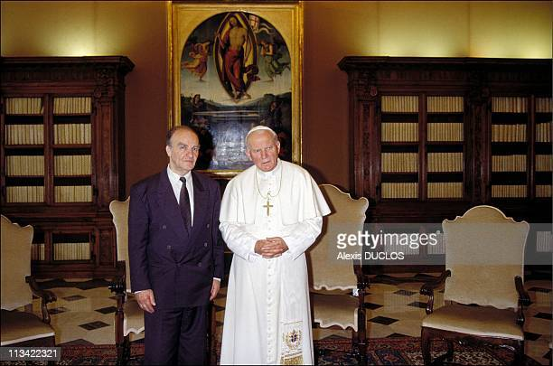 Izetbegovic In Sarajevo Paris And Rome With BH Levy Adn G Herzog On June 1st 1993