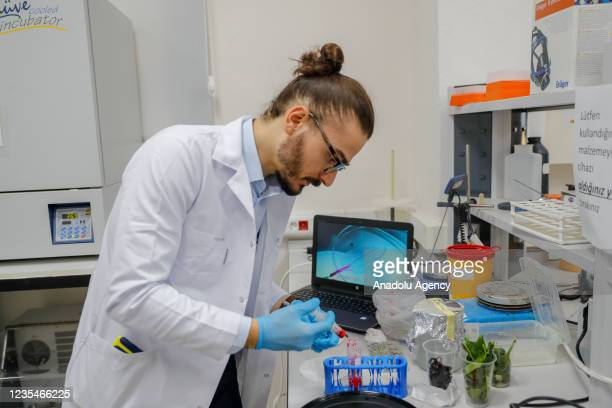 Izmir Institute of Technology Bioengineering Department lecturer Serkan Dikici who has won the first prize of Doctoral Researcher Awards 2020, with...