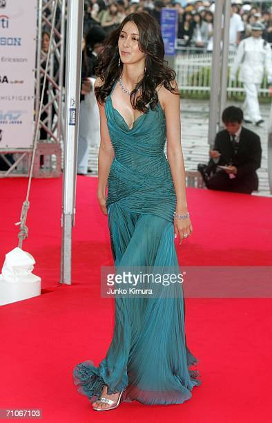 Izumi Mori arrives at the 2006 MTV Video Music Awards at the Yoyogi National Athletic Stadium on May 27 2006 in Tokyo Japan
