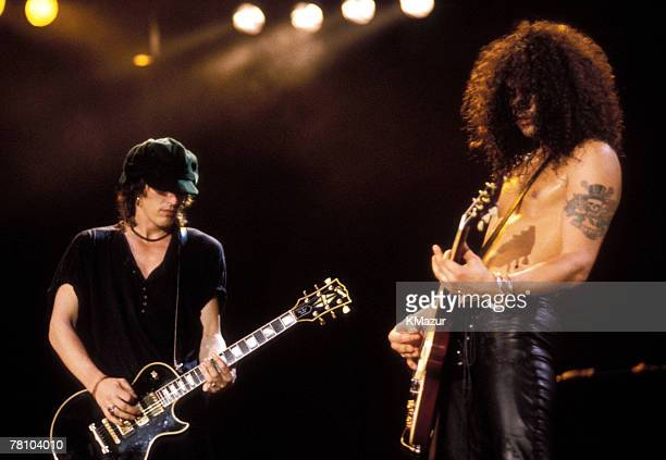 Izzy Stradlin and Slash of Guns N' Roses