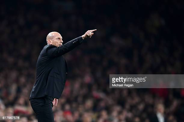 Jaap Stam Manager of Reading gives his team instructions during the EFL Cup fourth round match between Arsenal and Reading at Emirates Stadium on...