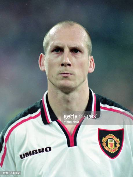 Jaap Stam of Manchester United is seen prior to the UEFA Champions League Group D match between Bayern Munich and Manchester United at the...