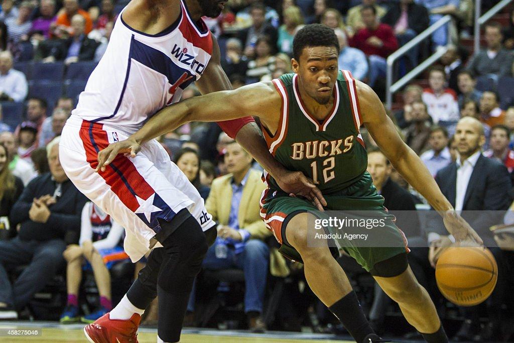 Washington Wizards vs Milwaukee Bucks : News Photo