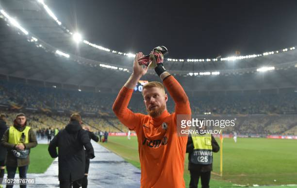 Jablonec's goalkeeper Vlastimil Hruby applauses his team's fans after the UEFA Europa League Group K football match between Dynamo Kyiv and Jablonec...