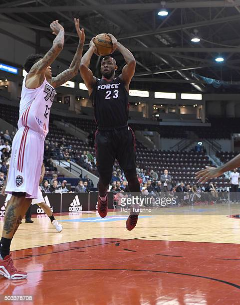 Jabril Trawick of the Sioux Falls Skyforce shoots the ball against the Raptors 905 during the game on December 31 2015 at the Hershey Centre in...