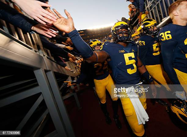 Jabrill Peppers of the Michigan Wolverines leaves the field after a 418 win over the Illinois Fighting Illini on October 22 2016 at Michigan Stadium...