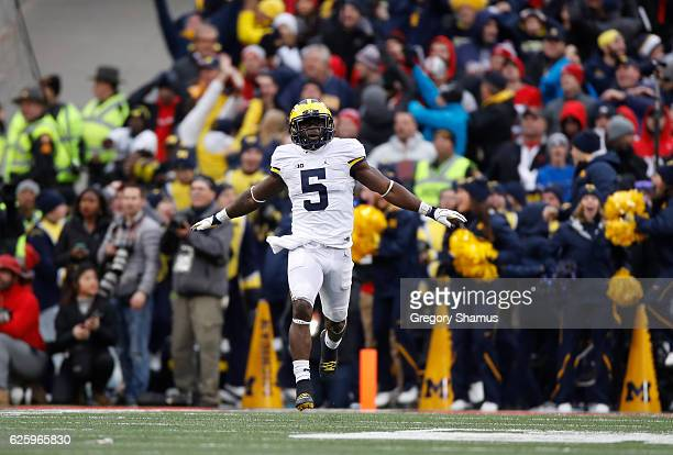 Jabrill Peppers of the Michigan Wolverines reacts after a missed field goal by the Ohio State Buckeyes during their game at Ohio Stadium on November...